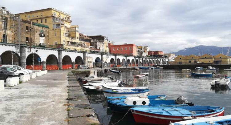 Pesca professionale nel porto di Torre Annunziata: il Comune approva lo  studio di fattibilità e chiede i fondi | ErreEmmeNews
